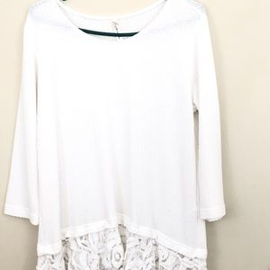 LOVE IN 3/4 sleeve ruffle white top size M soft!
